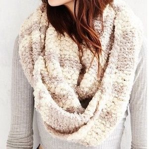 urban outfitters white and beige infinity scarf